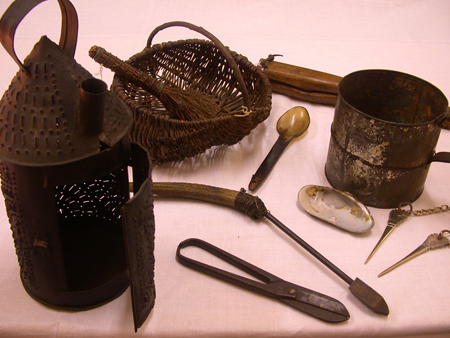 Image to accompany Naken chaetrie (Gypsy Traveller objects) in Scottish museums event