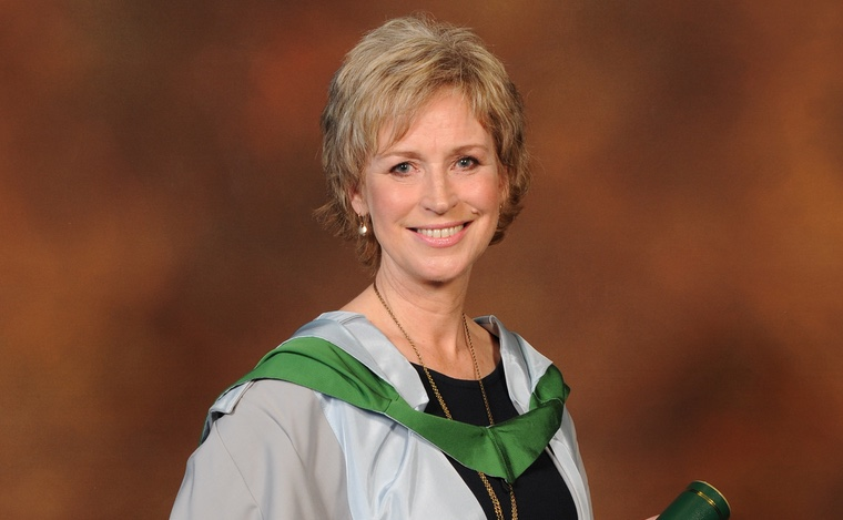 Ms Sally Magnusson