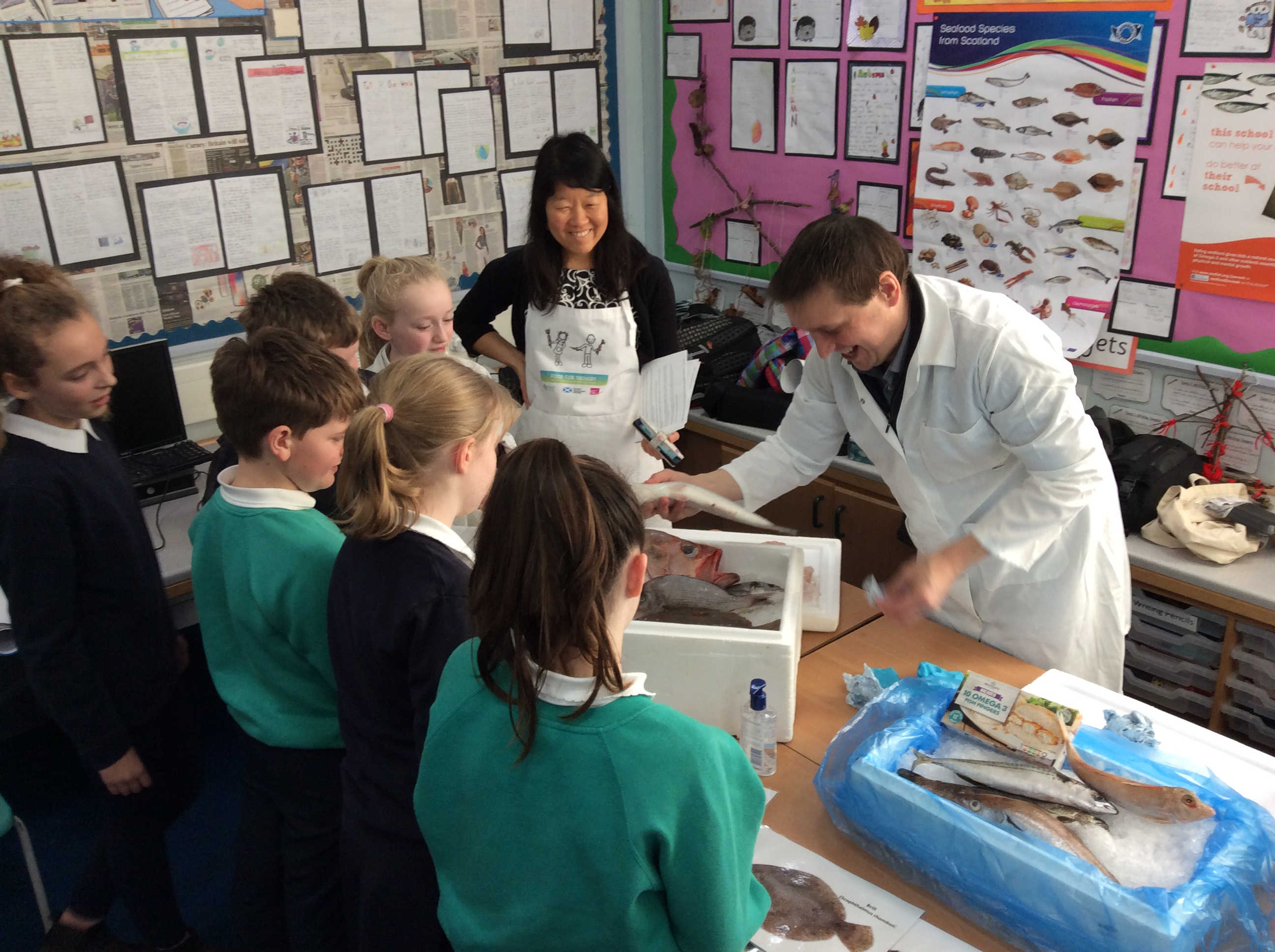 Primary school pupils from Balfron Primary School in Stirlingshire receive a hands-on lesson from Institute of Aquaculture staff