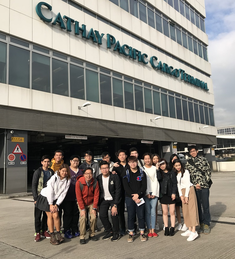 Students visiting Cathay Pacific HQ in Hong Kong