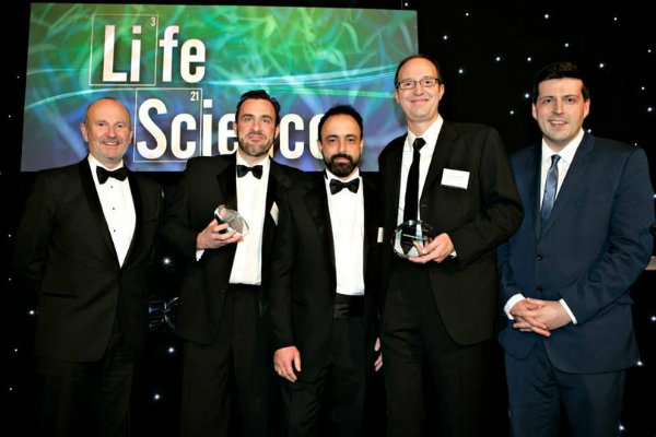 http://www.stir.ac.uk/news/2016/02/stirlings-institute-of-aquaculture-win-prestigious--innovative-collaboration-award/Life%20Science%20Awards%20Photography%20edit%202.jpg
